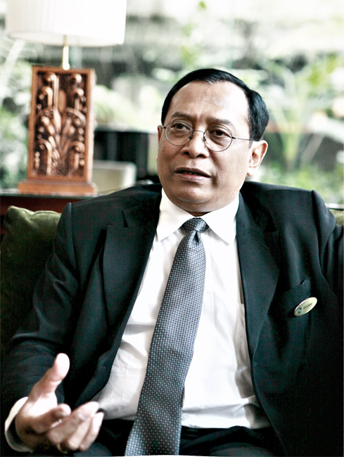 Handrio Utomo - General Manager of Grand Royal Panghegar