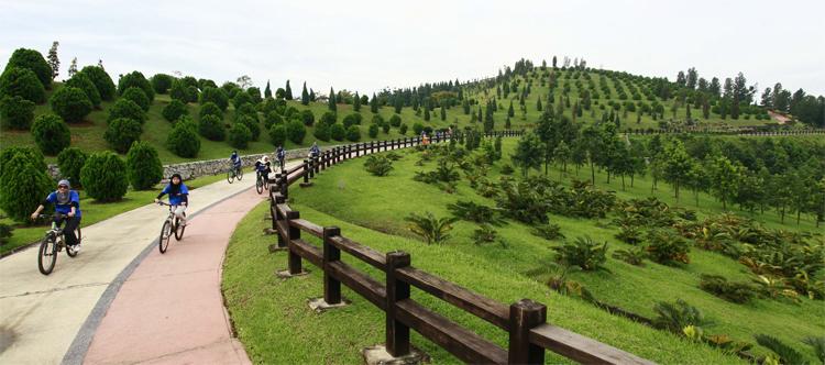 Saujana Hijau Park