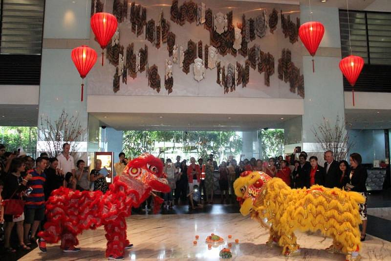 Parkroyal Kuala Lumpur lobby became the stage for the lion dance performance in conjunction with the Chinese New Year