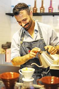 01-eddy-righi-preparing-filter-coffee-for-guests
