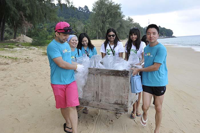 Tioman Island Clean-Up Day (TICD) 2013 with Berjaya Hotels & Resorts
