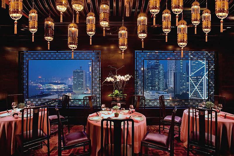 Shanghai Hairy Crab Feast At Man Wah in Mandarin Oriental, Hong Kong
