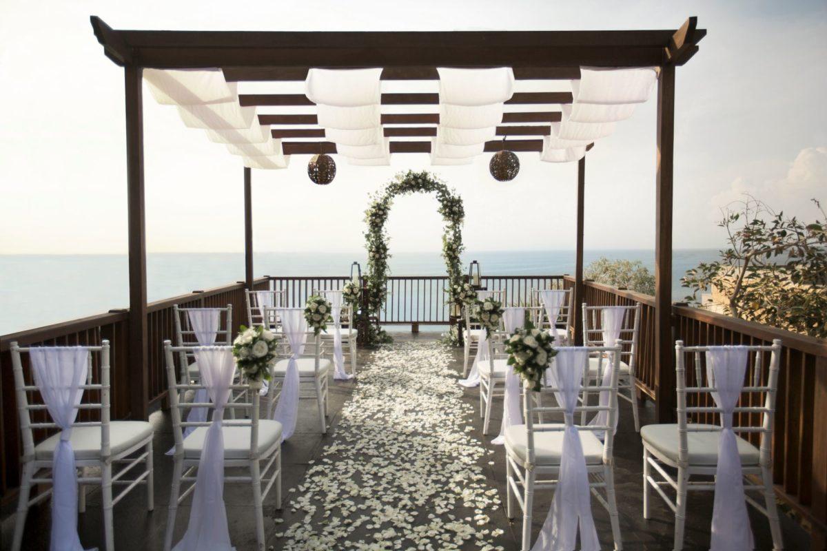Anantara Uluwatu Bali's New Infinity Bliss Wedding Package Promises High Style Romance over the Indian Ocean