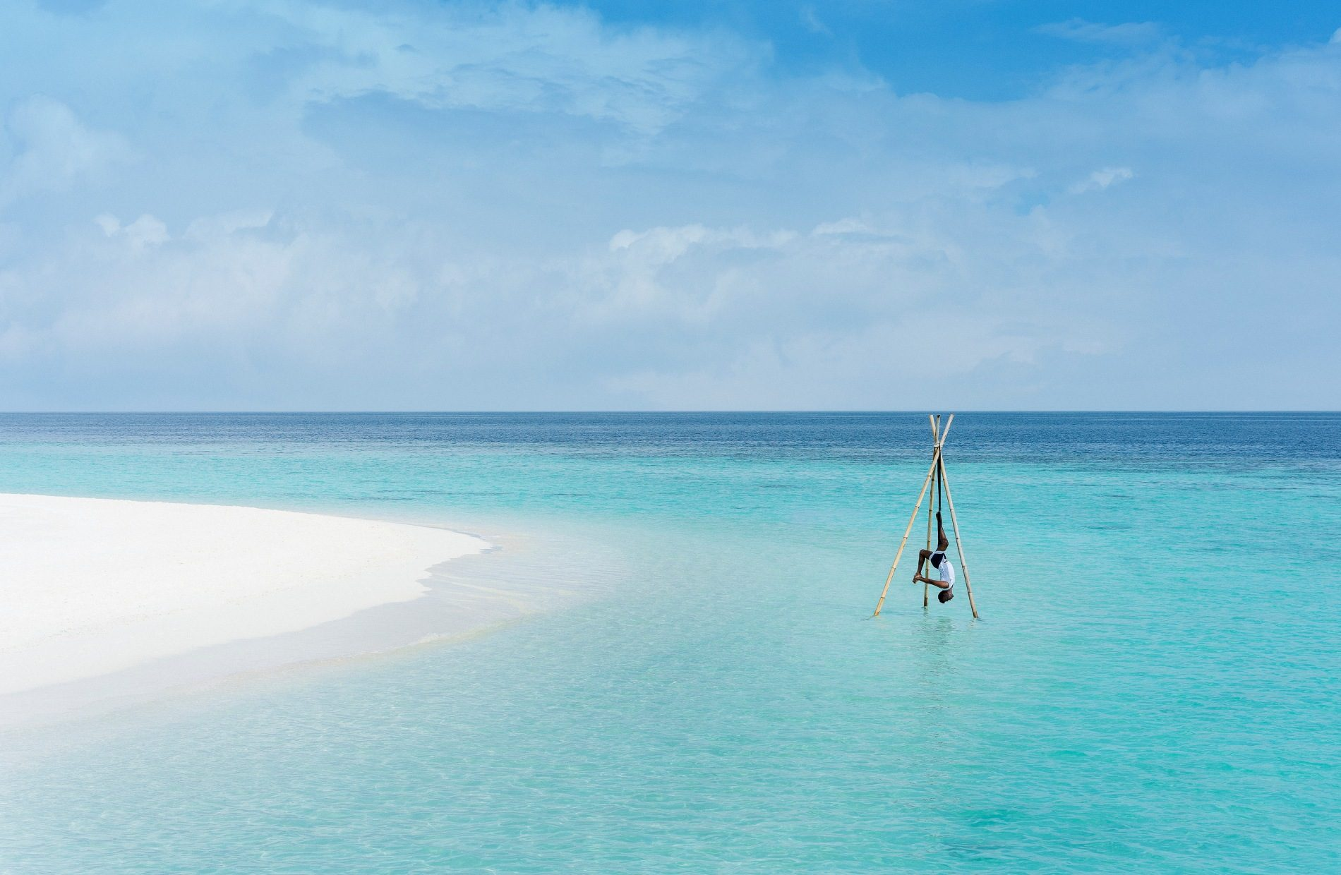 Anantara Kihavah Maldives Villas - Overwater Yoga