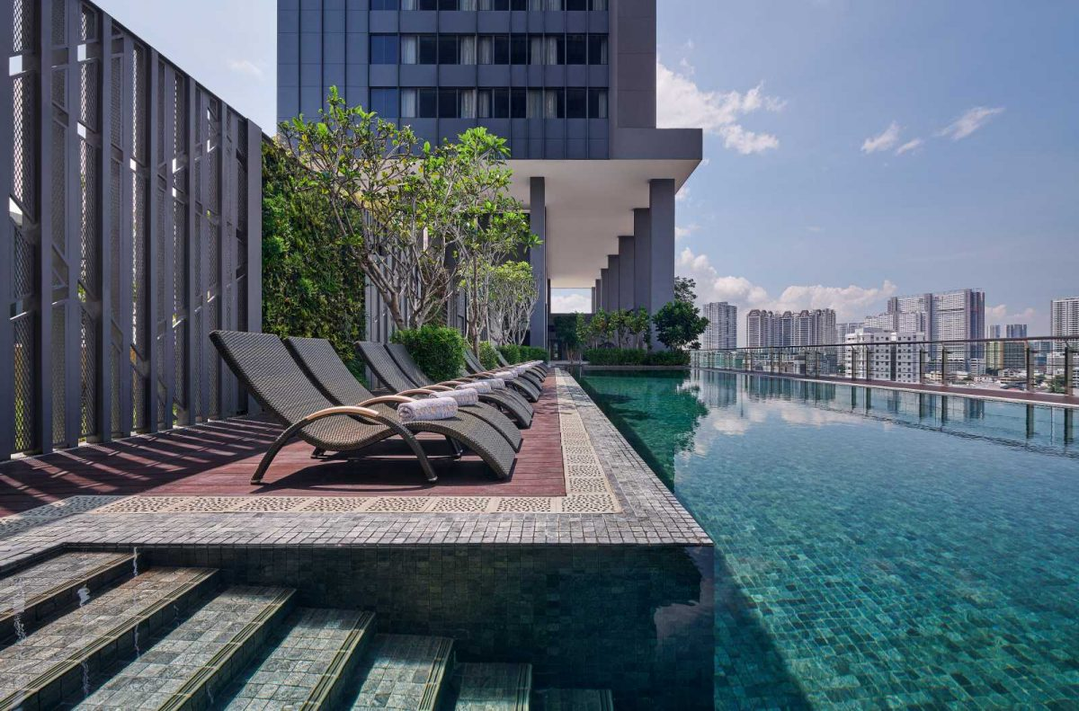 Courtyard by Marriott Penang's swimming pool