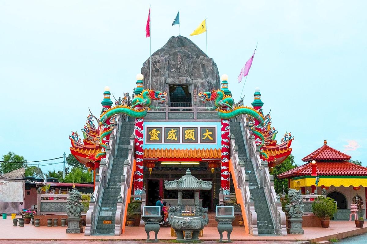 Qi Jian Xian Shi Fo Zu Gu Miao Temple, Kuala Selangor (Photo by Shah Shukri)