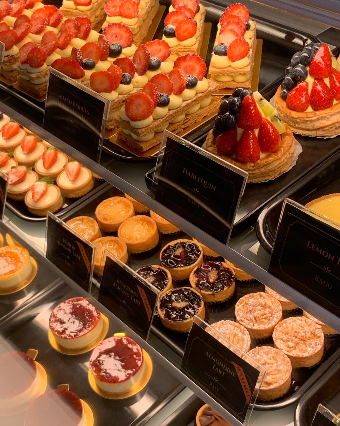 Pastries and desserts served at Encore Patisserie Café (Photo Encore Patisserie Café on Facebook)